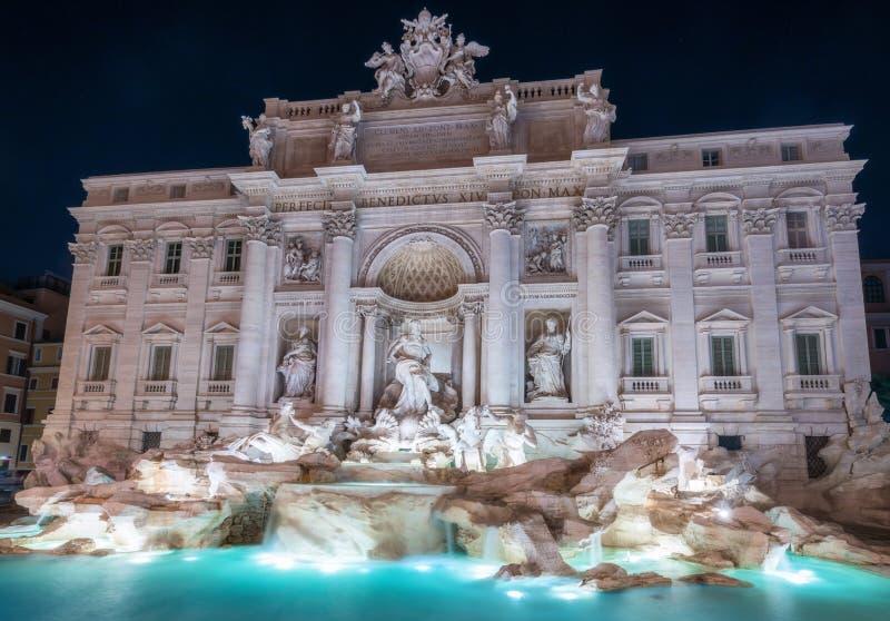 Trevi-springbrunn i Rome, Italien arkivfoton