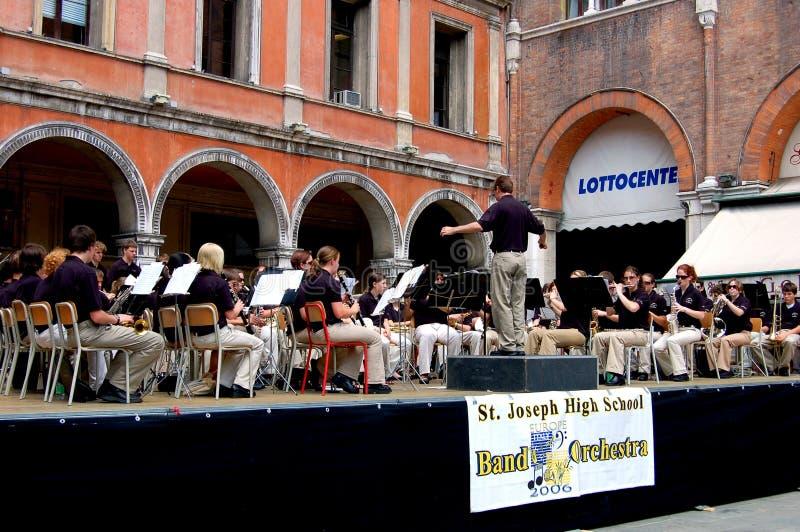 Download Treviso, Italia: Concerto Dell'orchestra Nel Quadrato Principale Fotografia Editoriale - Immagine di effettui, della: 30825592