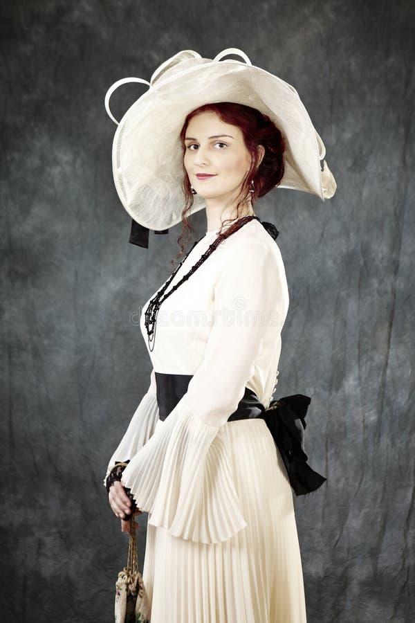 Trevlig dam av gamla tider royaltyfria foton