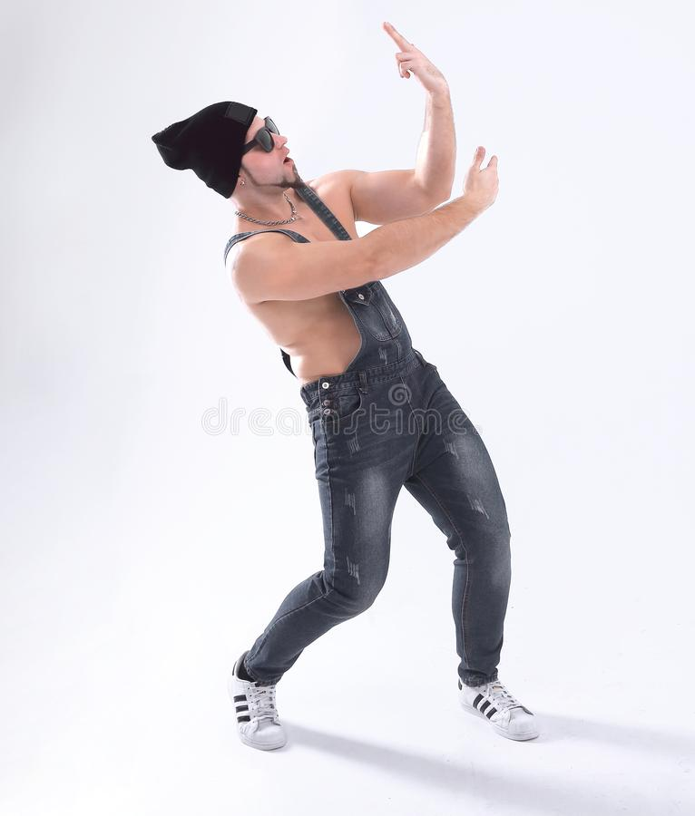 Trevlig dans för mandansavbrott i studion Isolerat på vit arkivbilder