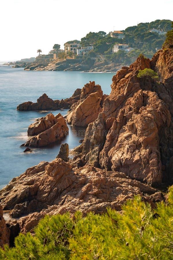 Trevlig detalj av den spanska kusten i Costa Brava, Platja de Aro royaltyfri foto