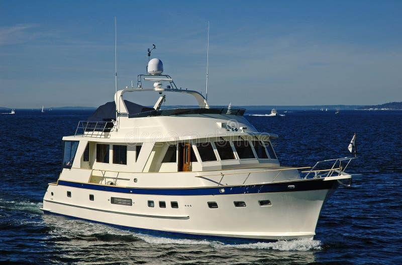 trevlig en yacht fotografering för bildbyråer