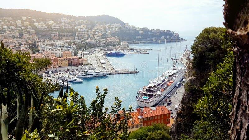 Trevlig hamn, sightställe Frankrike, vattentransport, kryssningfritid, marina arkivbild