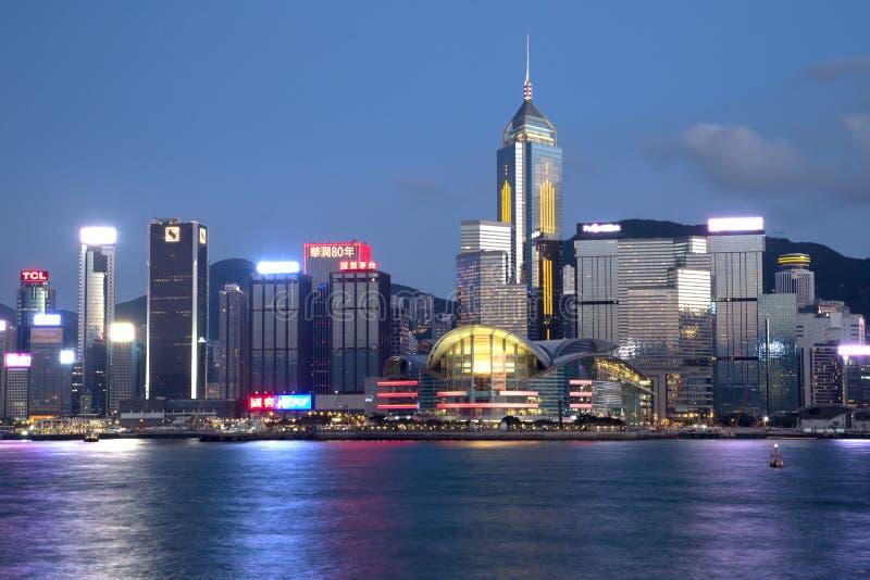 Trevliga Victoria Harbor Hongkong nattplatser arkivfoto