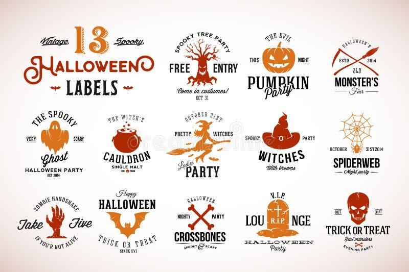Treze crachás, etiquetas ou Logo Templates assustadores do vetor de Dia das Bruxas do vintage Abóbora, Ghost, crânio, ossos, bast ilustração stock