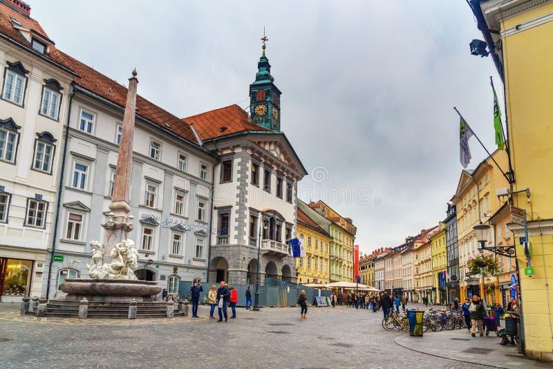 Trg городской площади или Mestni главный квадрат в Любляне r стоковые изображения rf