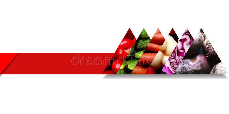 Triángulos llenados de las verduras y situados en una cinta stock de ilustración