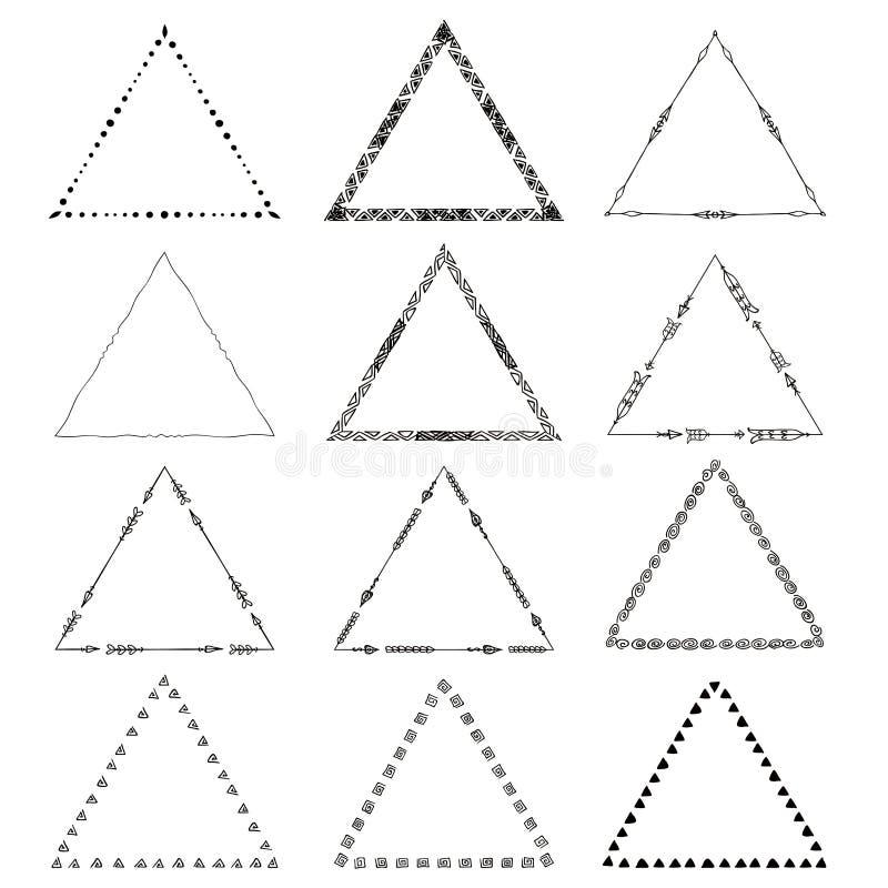 Triángulos tribales del dibujo original del vector fijados libre illustration