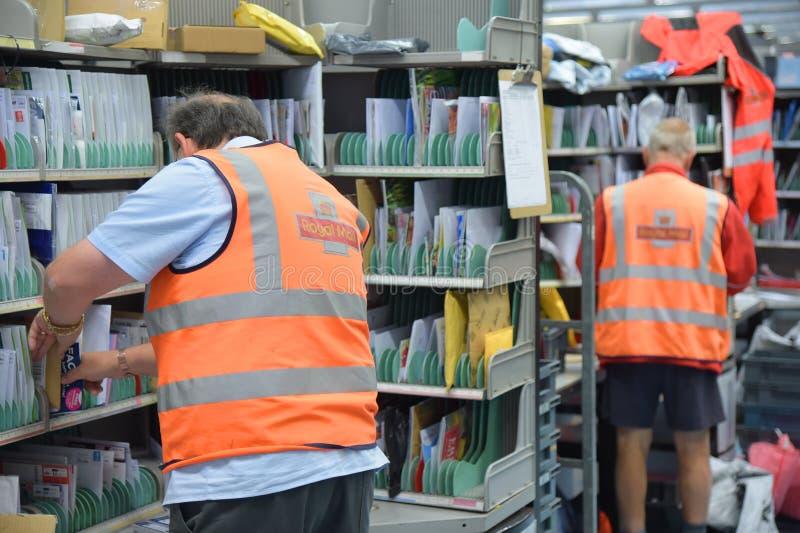 Tri de bureau de poste de Royal Mail photographie stock