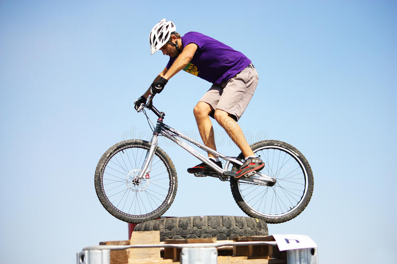 Download Trial Biker At Trial Jam Event Editorial Photo - Image: 21197986