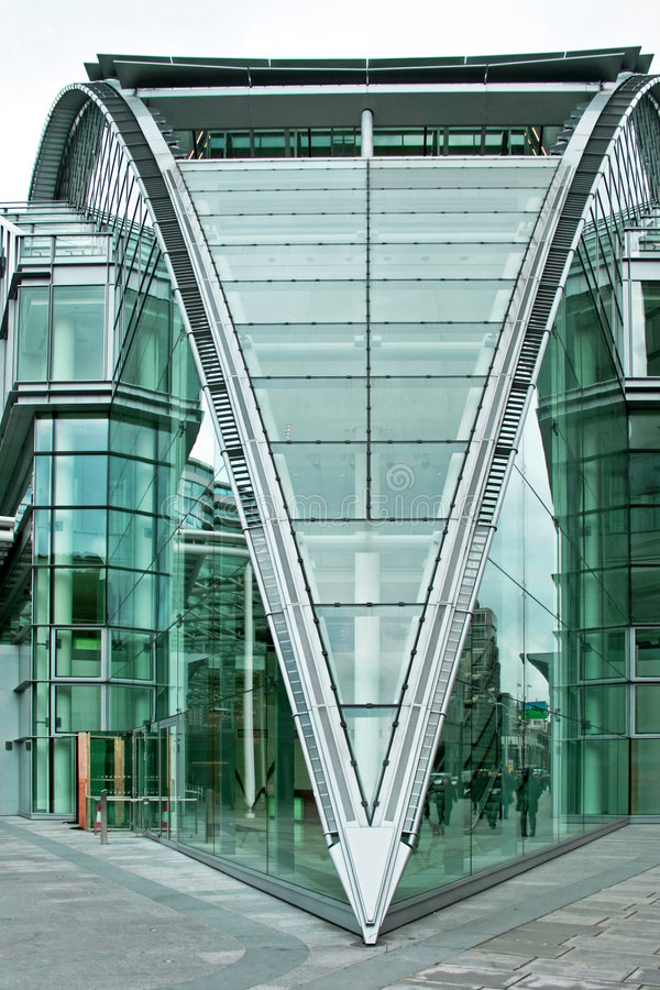 Free Triangle Building Royalty Free Stock Images - 4812579