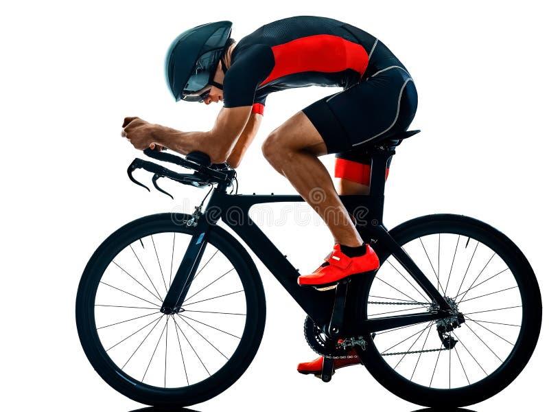 Triathlete三项全能骑自行车者循环的剪影被隔绝的白色b 库存图片