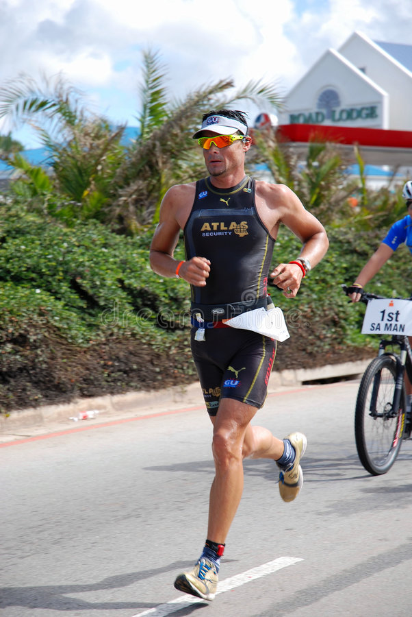 Triathlete Raynard Tissink d'Ironman images libres de droits