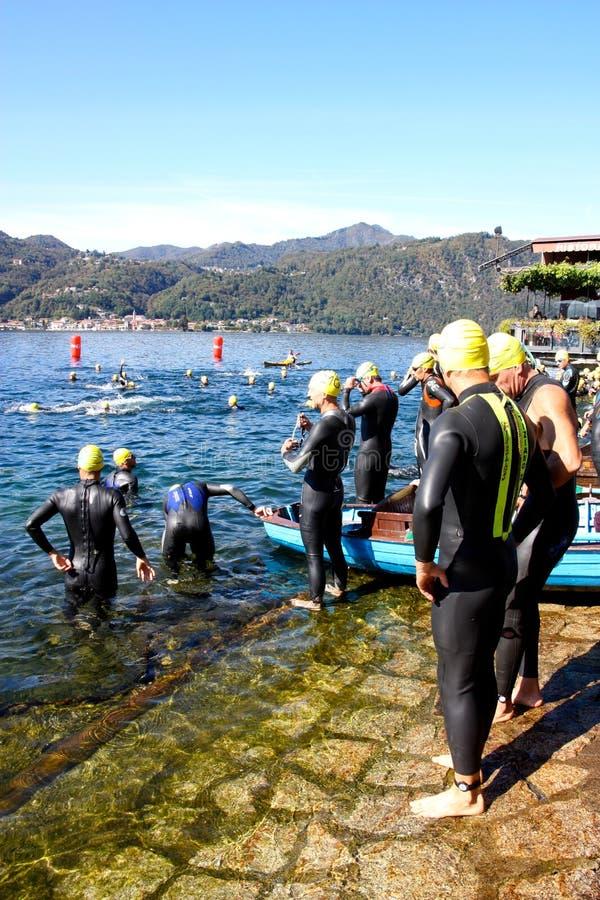 triathlon d'athlètes photographie stock