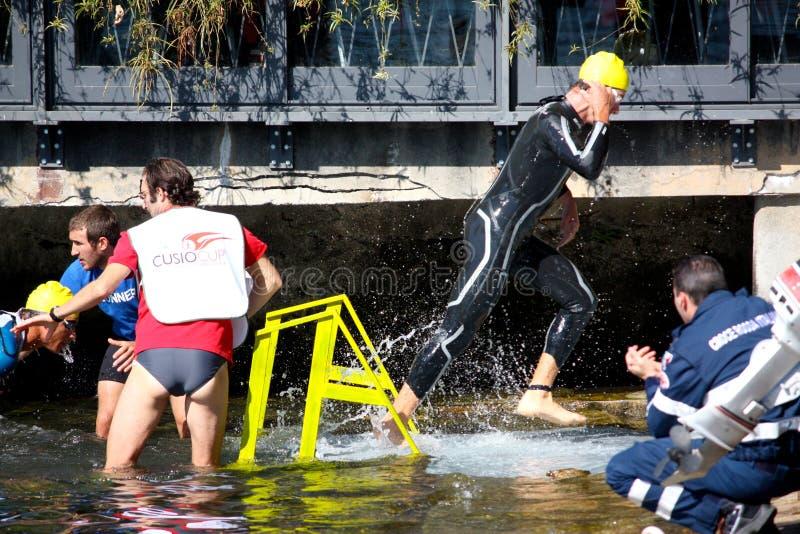 triathlon olympique de cusio de cuvette photo libre de droits