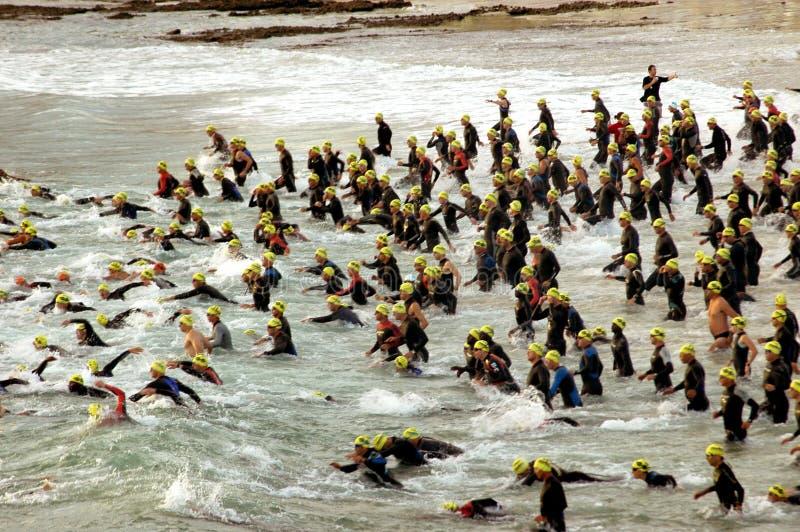 Triathlonanfang stockfotografie