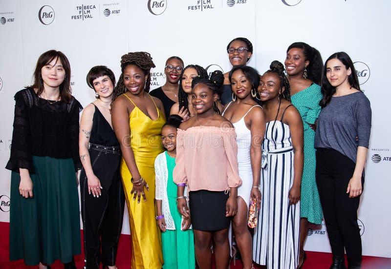 Tribeca filmfestival - r?d matta f?r premi?ren av drottningkollektivet arkivfoto