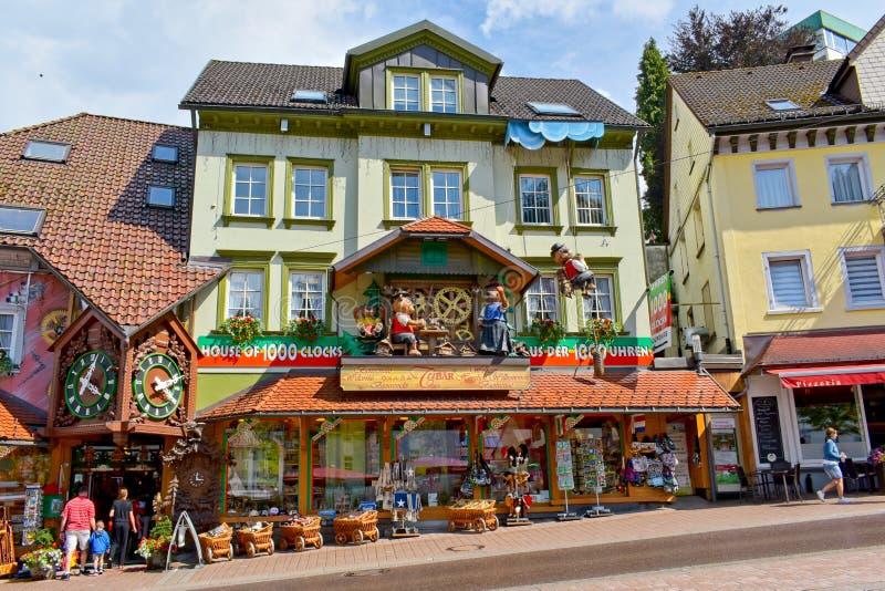Triberg, schwarzwald-Baar District, Duitsland - Juli 15, 2018: Huis van 1000 koekoeksklokken stock fotografie