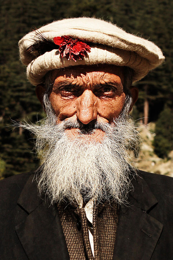 tribesmen Сельчанин старика от долины тяжёлого удара, KPK, Пакистана стоковая фотография rf