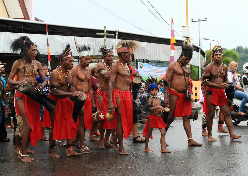 Tribu Papuan Wambarek de Biak photo stock