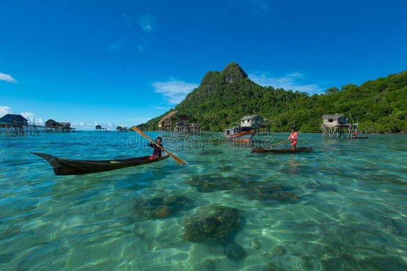 Tribu Sabah de gitans de mer image stock