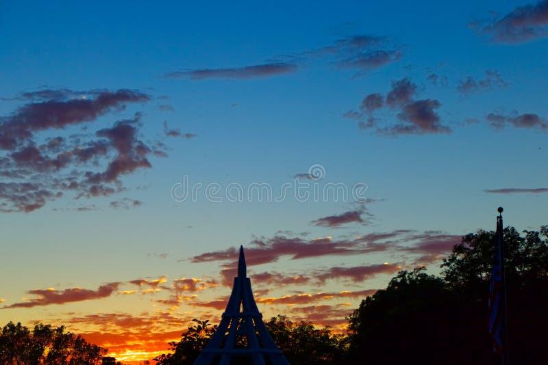 Tribunal au coucher du soleil image stock