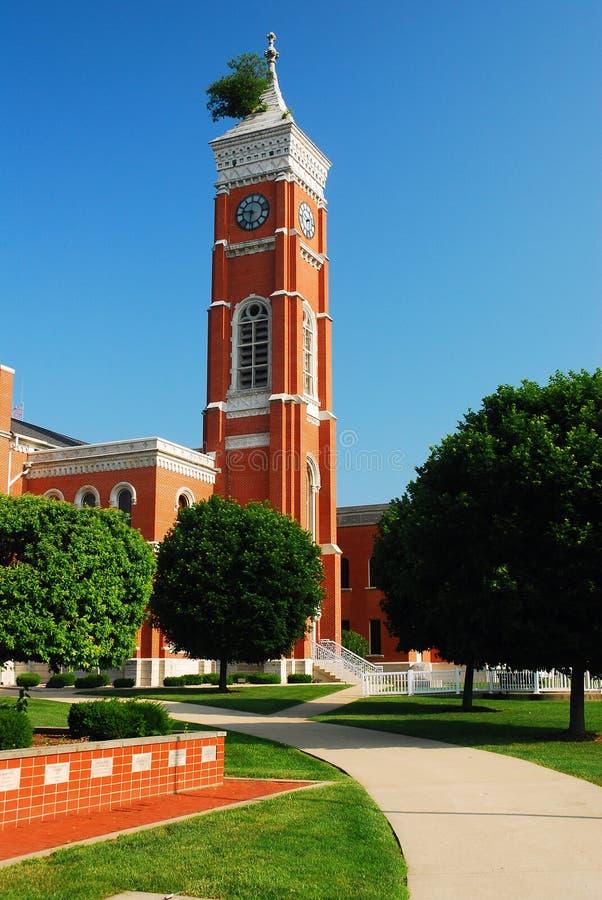 Tribunal del condado de Decatur y árbol famoso fotos de archivo libres de regalías