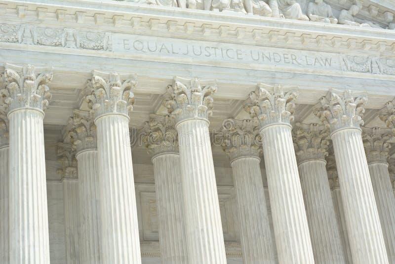 Tribunal Supremo de Estados Unidos con el texto fotos de archivo libres de regalías