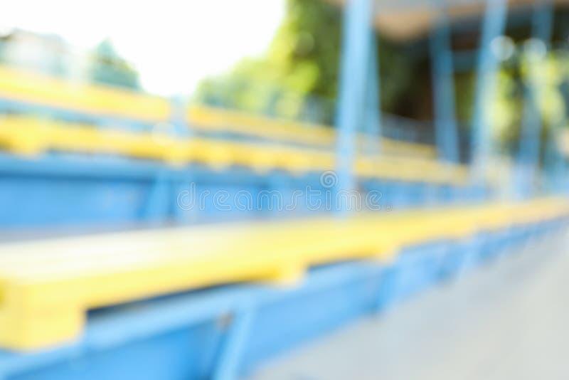Tribunas no campo de futebol aberto foto de stock royalty free