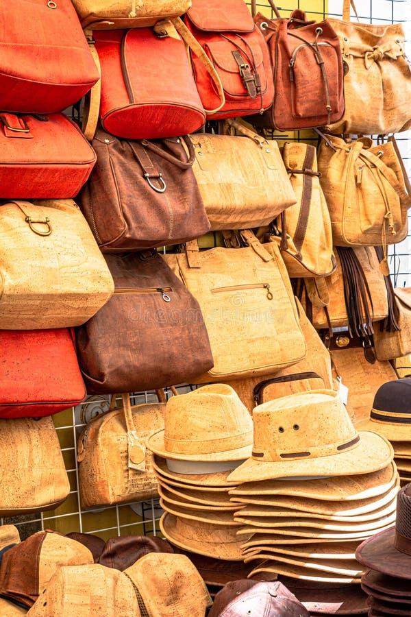 Tribune met cork zakken en hoeden in Portugal royalty-vrije stock afbeelding