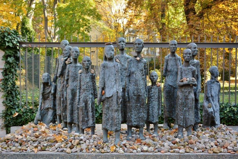 Tribut judío en la calle de Berlín imagenes de archivo