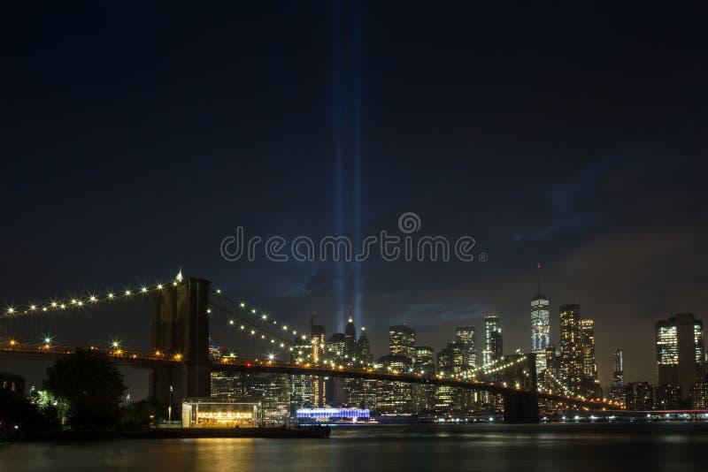 Tributo de WTC nas luzes fotografia de stock royalty free