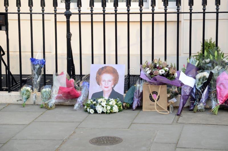 Tributos à igreja principal britânica ex Margret Thatcher Who Died L imagem de stock