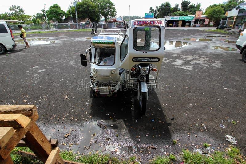 Triciclo bianco nelle Filippine fotografie stock