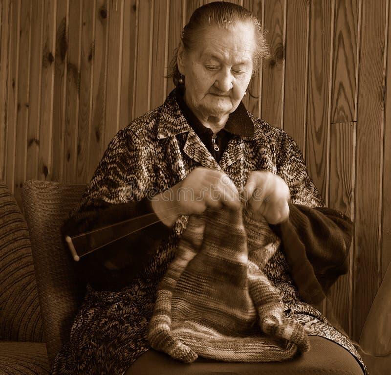 Tricotage aîné image libre de droits
