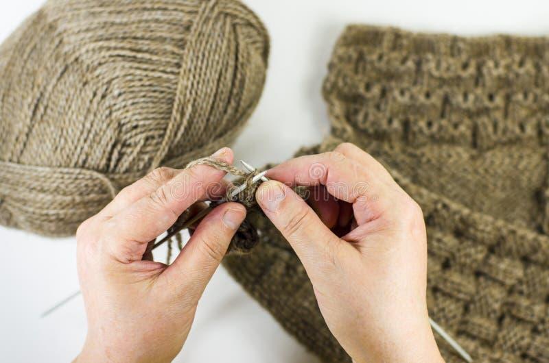 Tricotage de mains image libre de droits