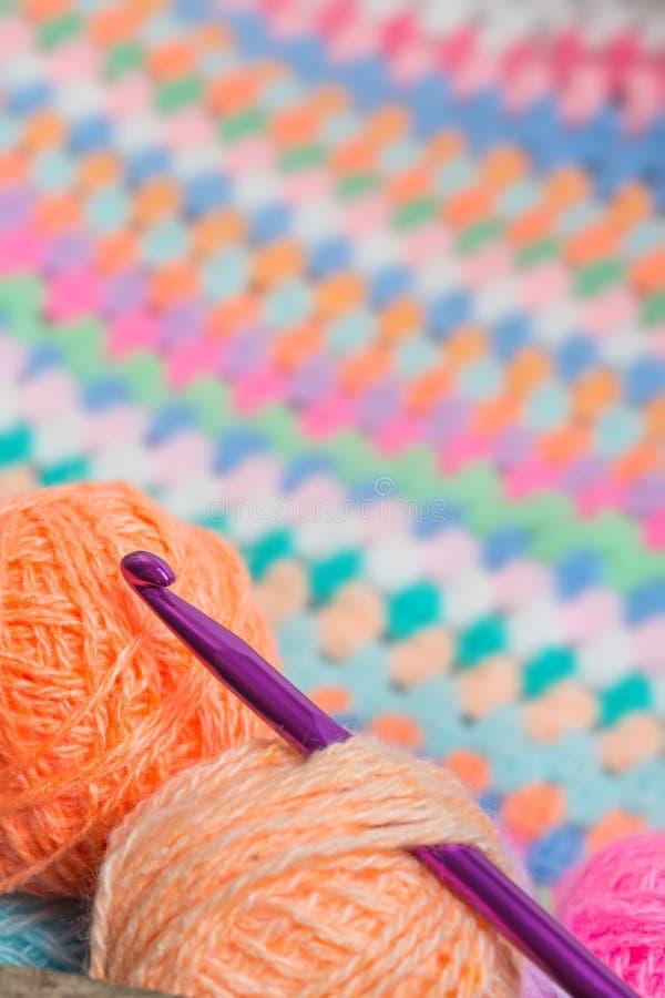 Tricotant, crochet de crochet photos libres de droits