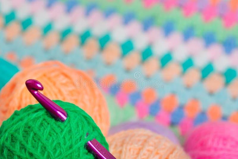 Tricotant, crochet de crochet images libres de droits