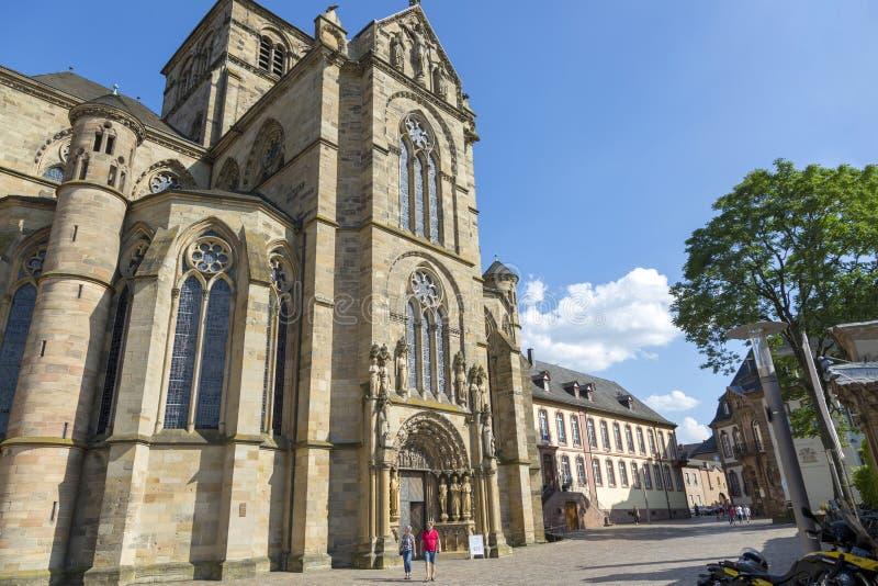 Trier, Alemanha - 6 de julho de 2018: A catedral da trindade do animal de estimação do St fotografia de stock royalty free
