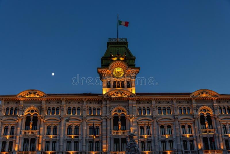 Trieste, Itália, câmara municipal, Unita d 'Italia da praça foto de stock
