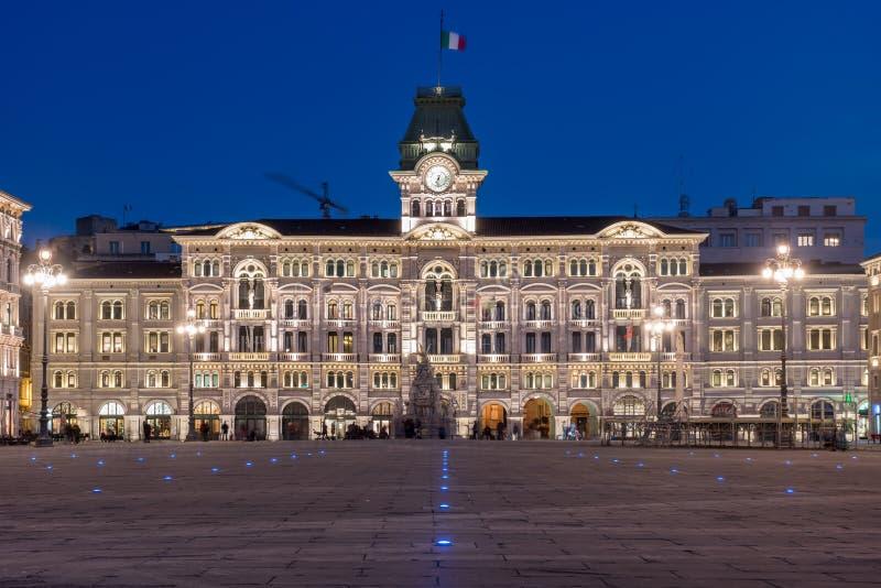 Trieste, Italia - d'Italia de Unitàde la plaza en la noche imágenes de archivo libres de regalías