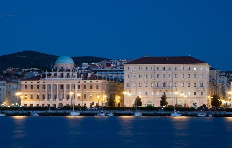 Trieste por noche foto de archivo libre de regalías