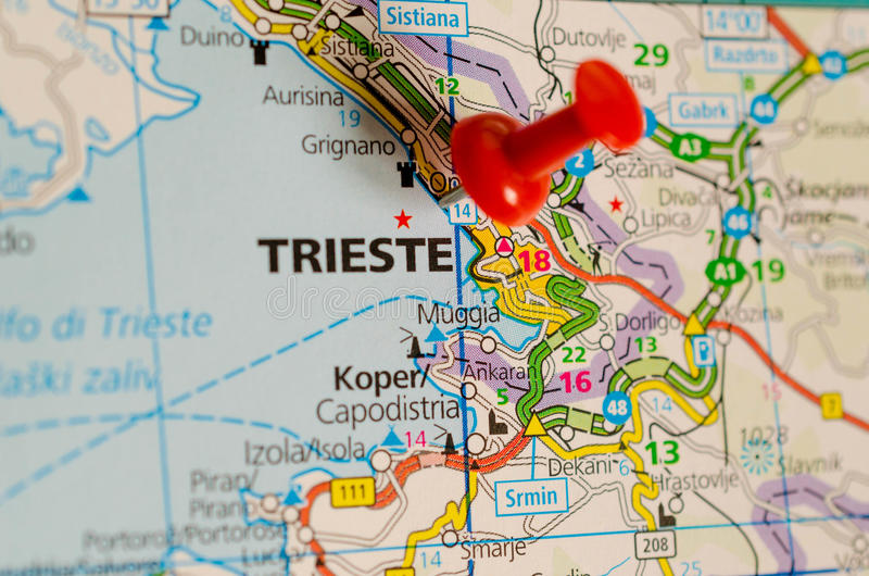 Trieste sur la carte images stock