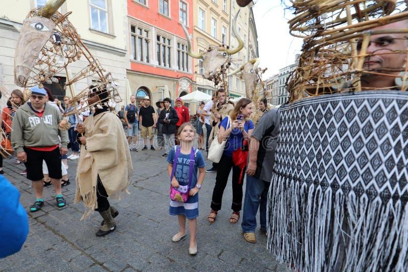 trigésima calle - festival internacional de los teatros de la calle en Cracovia, Polonia fotografía de archivo libre de regalías