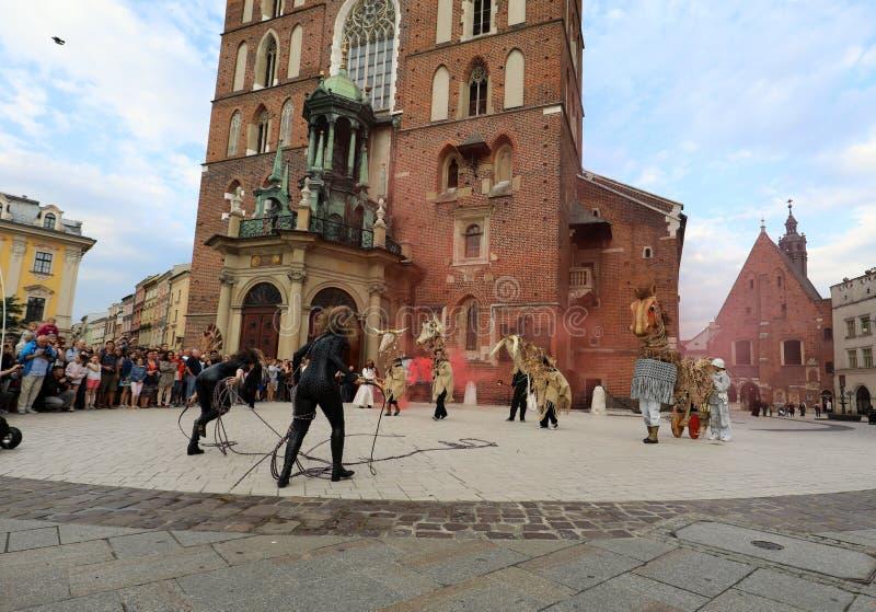 trigésima calle - festival internacional de los teatros de la calle en Cracovia, Polonia fotos de archivo libres de regalías