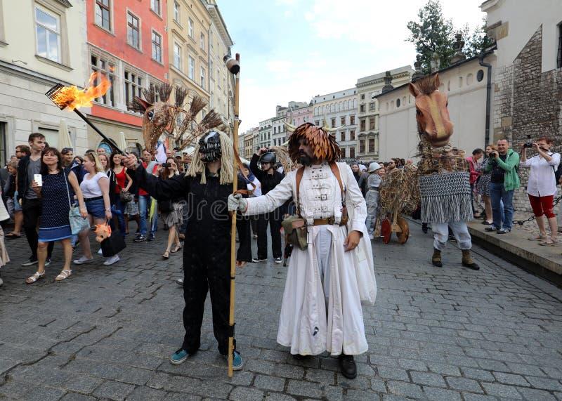 trigésima calle - festival internacional de los teatros de la calle en Cracovia, Polonia foto de archivo libre de regalías