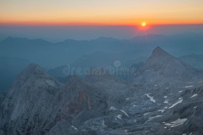 Triglav au lever de soleil photos libres de droits