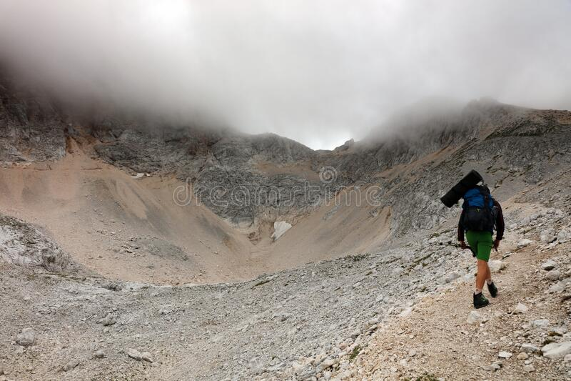 TRIGLAV, 20. AUGUST 2019: Trekking im Triglav-Nationalpark, Julianische Alpen, Slowenien lizenzfreie stockbilder
