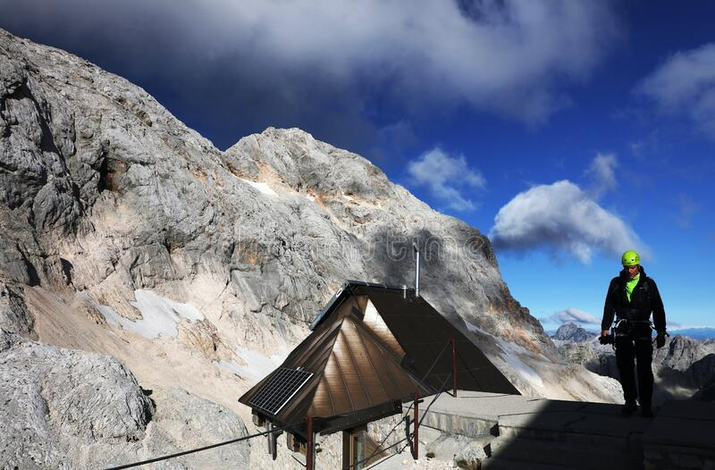 TRIGLAV, AUGUSTUS 20, 2019: Alpenlandschap in het Nationaal Park Triglav, Julian Alps, Slovenië royalty-vrije stock foto's