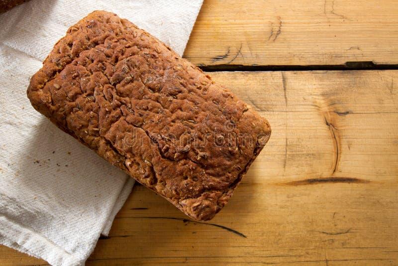 Trigo integral y pan Gluten-Libre fotos de archivo